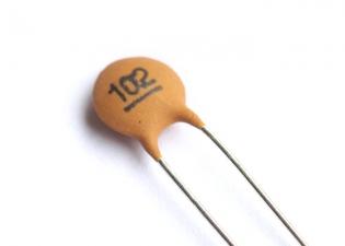 Ceramic Disc Capacitor • .001 uF